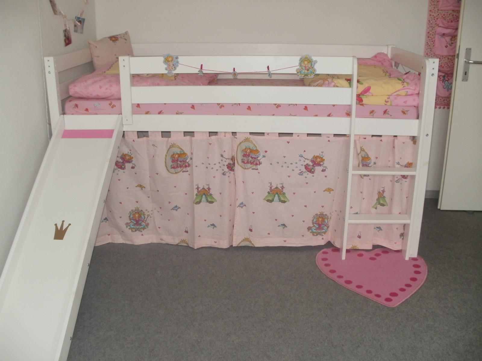 das fenster mit den ikea lampen drunter vom januar 2011. Black Bedroom Furniture Sets. Home Design Ideas