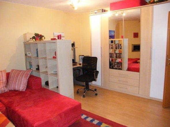 wohnzimmer 39 wohnzimmer noch unrenoviert 39 kinderfreie zone zimmerschau. Black Bedroom Furniture Sets. Home Design Ideas