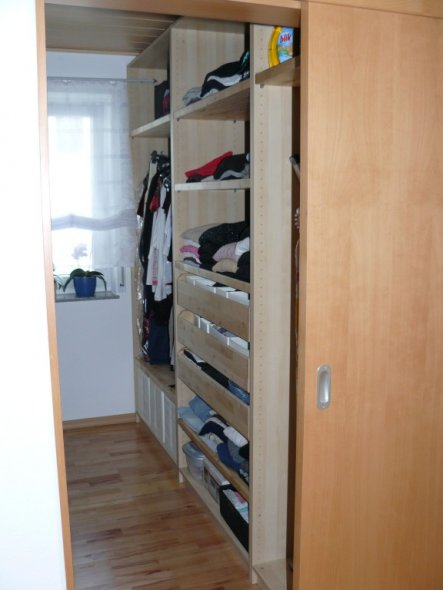 Schlafzimmer 'Begehbarer Kleiderschrank'