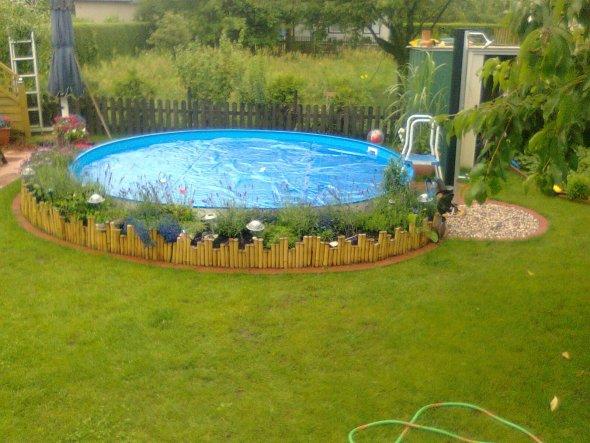 39 mein raum 39 unserpool und garten zimmerschau for Garten pool 8 eckig