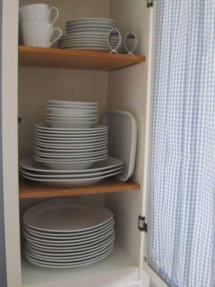 ein prima Geschirr Schrank :-))
