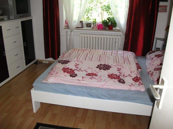 schlafzimmer 39 unser schlafzimmer 39 alte wohnung zimmerschau. Black Bedroom Furniture Sets. Home Design Ideas