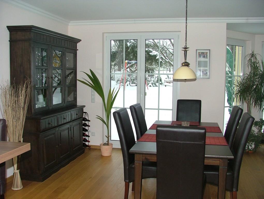 Wohnzimmer 39 wohn esszimmer k che 39 killa villa for Wohnzimmer esszimmer