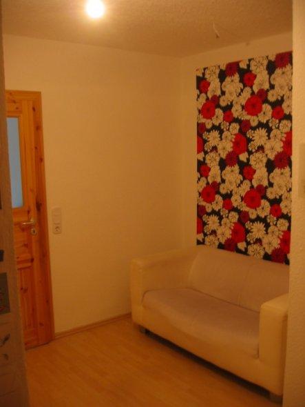 ...an der Decke hängt noch die Renovier-Leuchte.