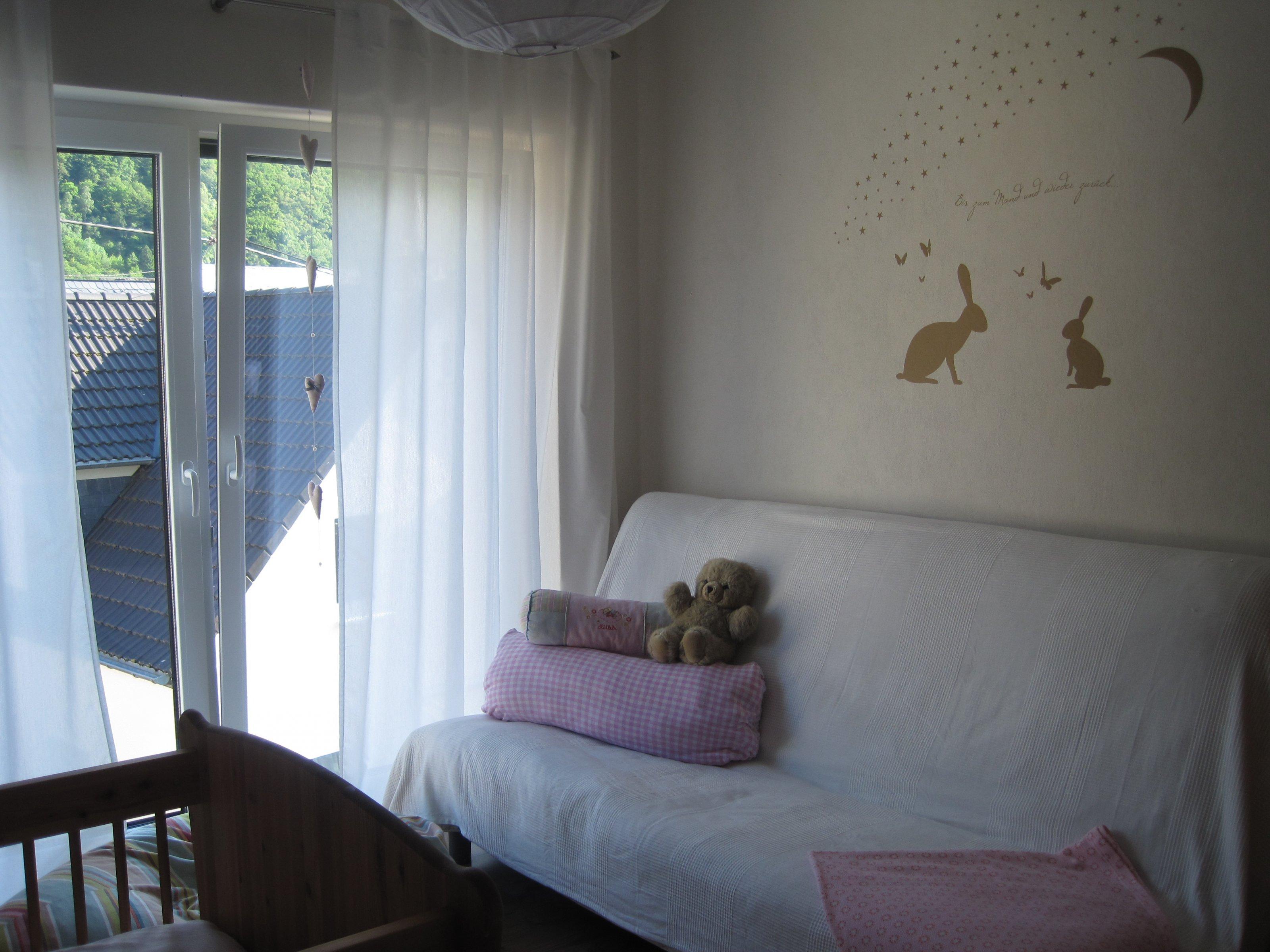 kinderzimmer 39 unsere maus ist endlich da 39 die gem tlichkeit zimmerschau. Black Bedroom Furniture Sets. Home Design Ideas