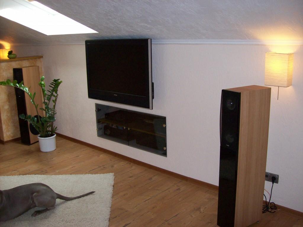 Wohnzimmer 39 multimedia studio 39 jerracans bude zimmerschau - Multimedia wohnzimmer ...