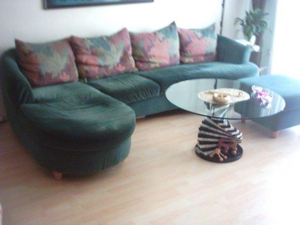 Die Couch und der Tisch haben ein neues zu Hause gefunden.