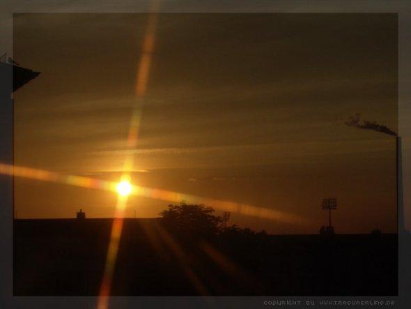 was gibt es schöneres als einen Sonnenuntergang mit glutrotem Himmel und das vom Balkon aus
