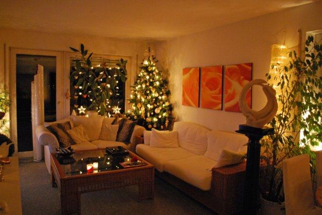 mein fast fertig weihnachtlich dekoriertes Wohnzimmer aus meinem Lieblingsblickwinkel