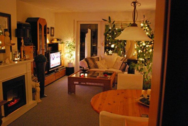 Wohnzimmer weihnachtlich andere Perspektive