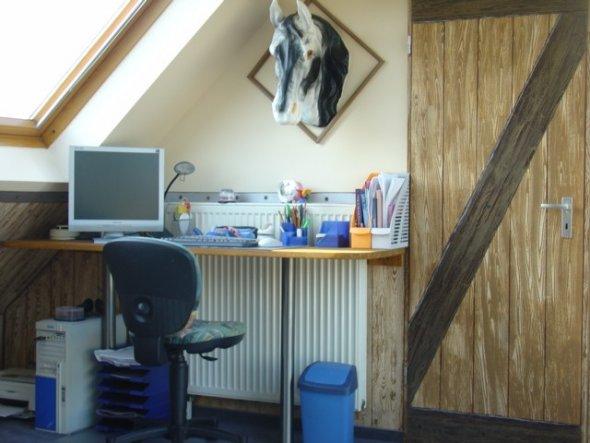 kinderzimmer 39 alenas verenas pferdestall 39 hier f hlen. Black Bedroom Furniture Sets. Home Design Ideas