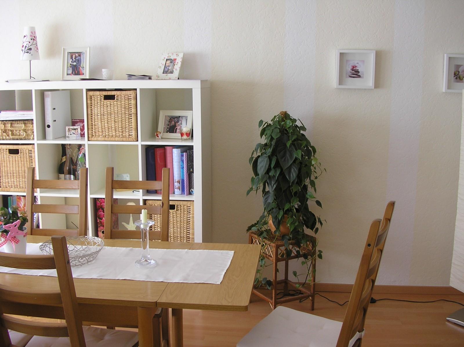 wohnzimmer 39 wohn und esszimmer 39 die gr ne ruhe zimmerschau. Black Bedroom Furniture Sets. Home Design Ideas