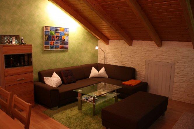 wohnzimmer 39 gr n wei es wohnzimmer 39 unsere gem tliche wohnoase zimmerschau. Black Bedroom Furniture Sets. Home Design Ideas