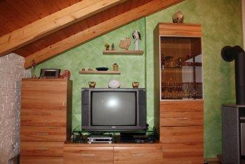 Grün-weißes Wohnzimmer