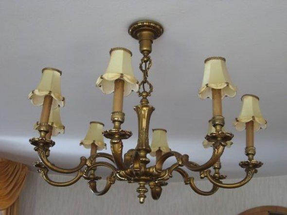 dieses tolle stück, brauch noch viel arbeit und die lampenschirme kommen weg :)