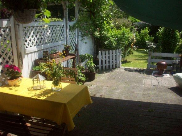 Die Terrasse, zu deren Veränderung ich mir in diesem Jahr etwas einfallen lassen muss.