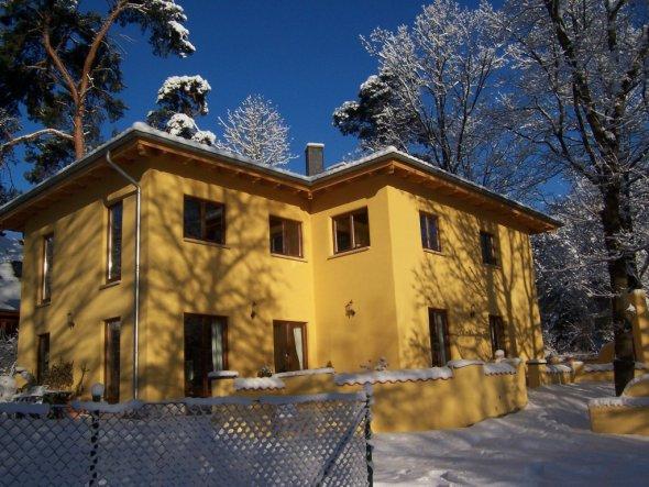 Hausfassade / Außenansichten 'Eingeschneit!!'