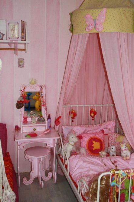 kinderzimmer 39 kleine prinzessinen 39 mein wohnzimmer. Black Bedroom Furniture Sets. Home Design Ideas