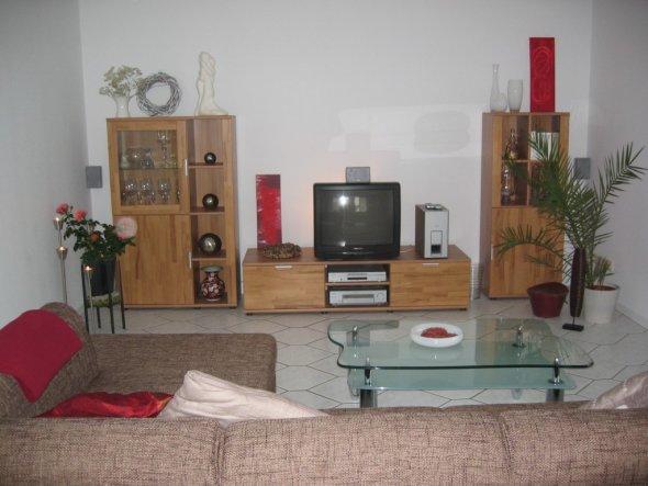 Nach langer Zeit ist das Wohnzimmer fertig, Möbel sind gekommen, haben 12 Wochen darauf gewartet, jetze fehlen noch Bilder und Dekoration.