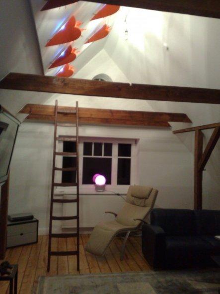 Wohnzimmer 39 dachboden 39 julis domizil zimmerschau for Dachboden ideen