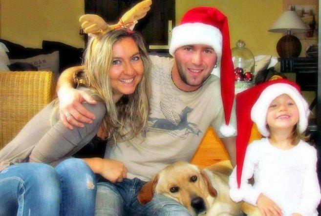 Der Anfang der diesjährigen Weihnachtspost ist gemacht, nach gefühlten 150 Fotos...gar net so einfach mit dreijährigem Weihnachtsengel und vierbeinige