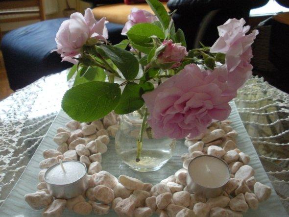 Unsere herrlich duftenden Rosen aus dem Garten.