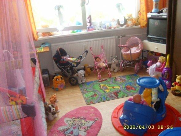 schlafzimmer 39 mein kinderzimmer und schlafzimmer. Black Bedroom Furniture Sets. Home Design Ideas