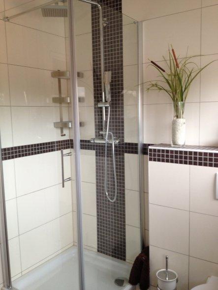 bad 39 badezimmer 2 g stebad 39 aus alt macht neu zimmerschau. Black Bedroom Furniture Sets. Home Design Ideas