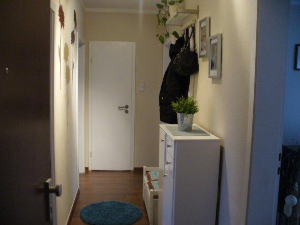 flur diele 39 diele 39 unsere neue wohnung zimmerschau. Black Bedroom Furniture Sets. Home Design Ideas