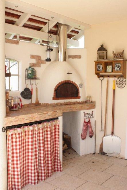 Terrasse / Balkon 'Terrasse mit Pizzaofen'
