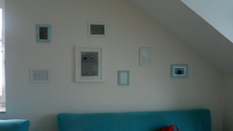 Bilder im neuen Wohnbereich, dürfen natürlich auch nicht fehlen und ich denke das ist sehr gut gelöst !