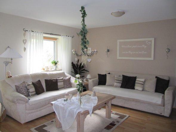 wohnzimmer 39 kleine wohnoase 39 engelsfl gel zimmerschau. Black Bedroom Furniture Sets. Home Design Ideas