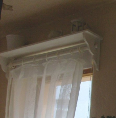 tipp von ichdiemicha gardinenstange regal zimmerschau. Black Bedroom Furniture Sets. Home Design Ideas