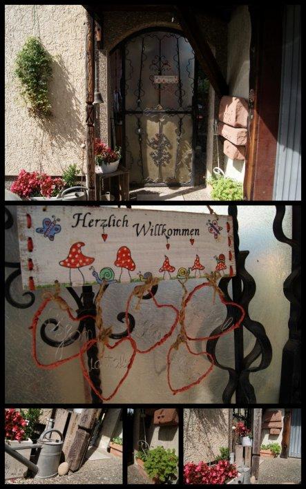 Unser Seiteneingang.Die hässliche Verkleidung an der Tür müsst dringend geändert weden, aber wie?? Ohne zieht´s da aber durch ohne ende.Wer hat