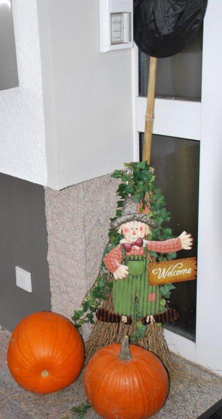 deko 39 halloween 39 unser domizil zimmerschau. Black Bedroom Furniture Sets. Home Design Ideas