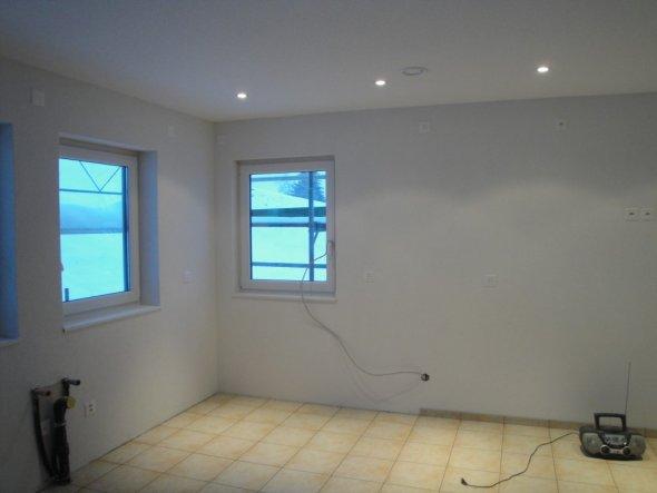 Hier wird die Küche montiert... Zum Wohnraum offen