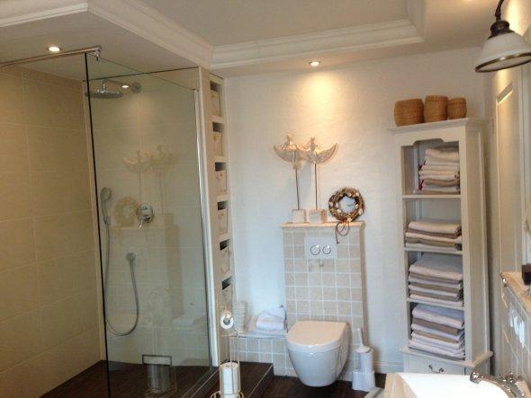 bad 39 badezimmer 39 mein zuhause zimmerschau. Black Bedroom Furniture Sets. Home Design Ideas