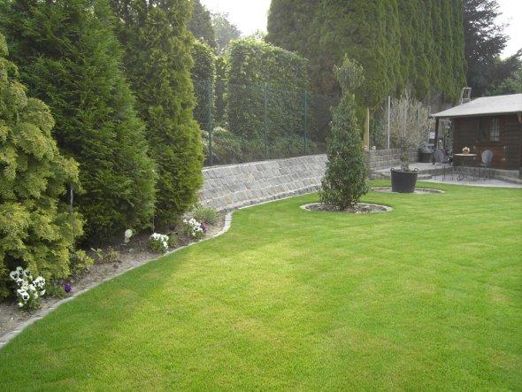 terrasse balkon 39 gartengestaltung 39 unsere kleine villa zimmerschau. Black Bedroom Furniture Sets. Home Design Ideas