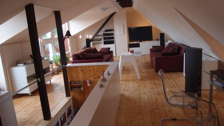 wohnzimmer 39 dachzimmer 39 meine dachwohnung buecherlilly zimmerschau. Black Bedroom Furniture Sets. Home Design Ideas