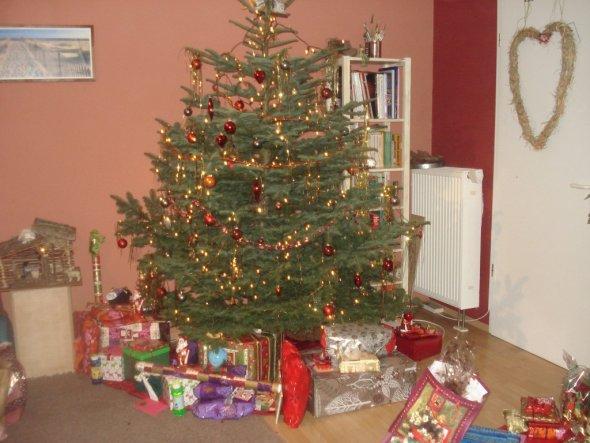 Heilig Abend 2009, so sieht es aus wenn man mit 13 Leuten Weihnachten feiert!