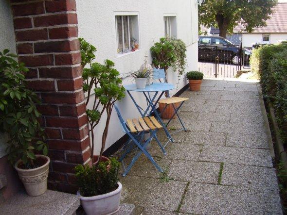 Sicht von der Haustür auf die Straße, Juli 2009