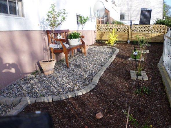 mein neu angelegter Vorgarten