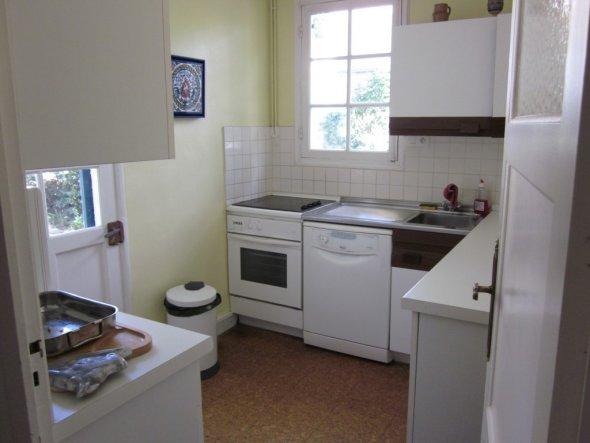Wohnzimmer 'Bar und Küche'