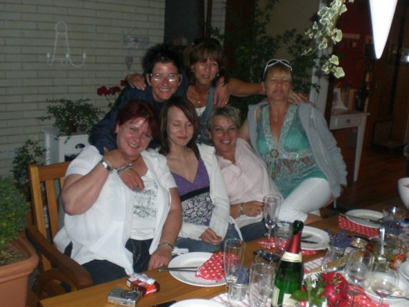 unten von l.n.r.: Petra, Swenja, Conny, Andrea! oben :Andrea u. Susanne!