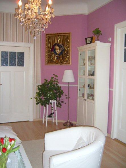 wohnzimmer 39 wohnzimmer 39 stilmix im altbau zimmerschau. Black Bedroom Furniture Sets. Home Design Ideas