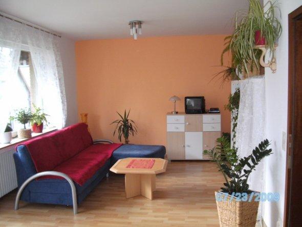 wohnzimmer 39 gem tlich 39 ein zimmer wohnung zimmerschau. Black Bedroom Furniture Sets. Home Design Ideas