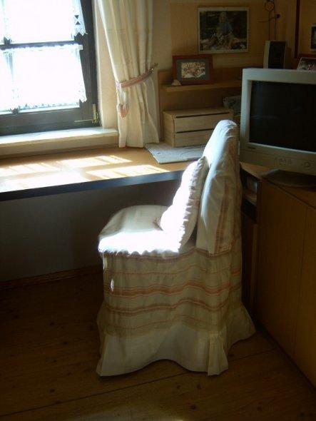 hobbyraum 39 b rostuhl husse 39 eingang herzlich willkommen zimmerschau. Black Bedroom Furniture Sets. Home Design Ideas