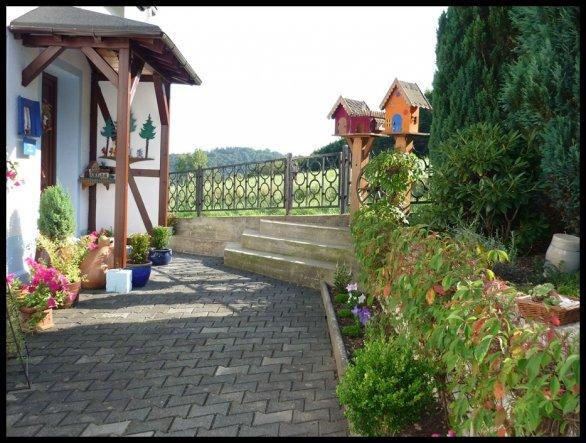 Hausfassade / Außenansichten 'Herzlich willkommen'