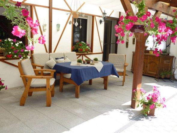 terrasse balkon eingang herzlich willkommen von christrose 14143 zimmerschau. Black Bedroom Furniture Sets. Home Design Ideas