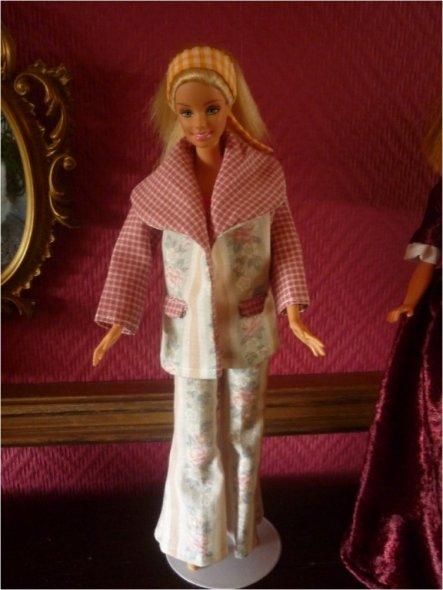 Hobbyraum 'Meine Barbiekreationen genäht'
